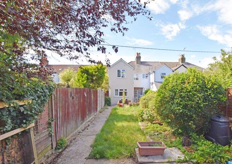 3 Bedrooms Property for sale in Old Acre Road, Alton, Hampshire