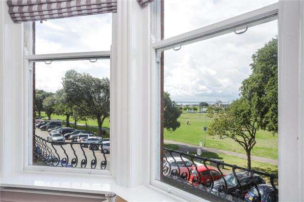 2 Bedrooms Apartment Flat for sale in Western Parade, Southsea, Hampshire