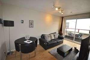 1 Bedroom Flat for sale in Near Sandford park