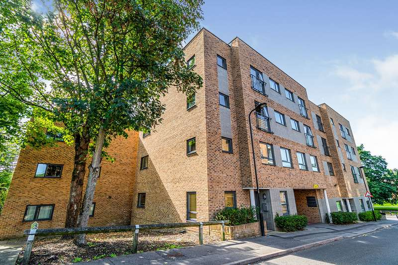 2 Bedrooms Apartment Flat for sale in Amelia Court, Marston Road, Southampton, Hampshire, SO19