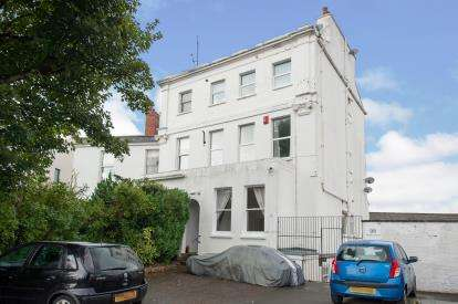 1 Bedroom Flat for sale in Prestbury Road, Cheltenham, Gloucestershire