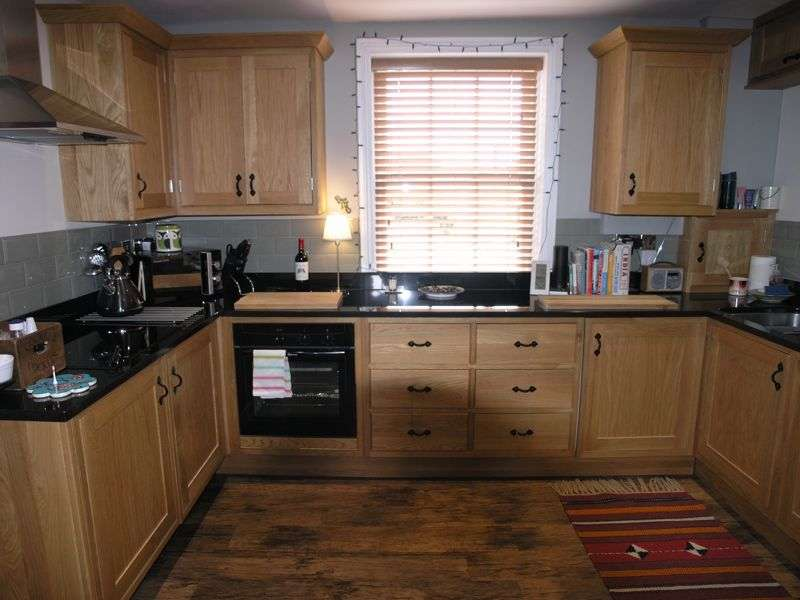 2 Bedrooms Property for rent in Lower High Street, Stourbridge