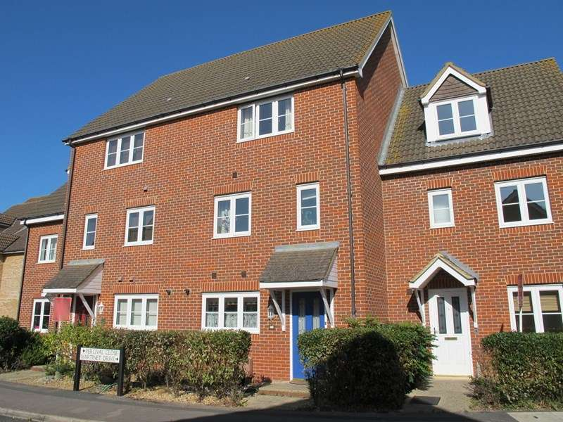 3 Bedrooms Terraced House for sale in Martinet Drive, Lee-On-The-Solent, Hampshire, PO13