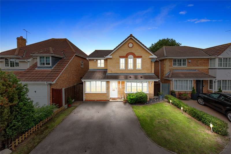 4 Bedrooms Detached House for sale in Glenwood Gardens, Langdon Hills, Basildon, Essex, SS16
