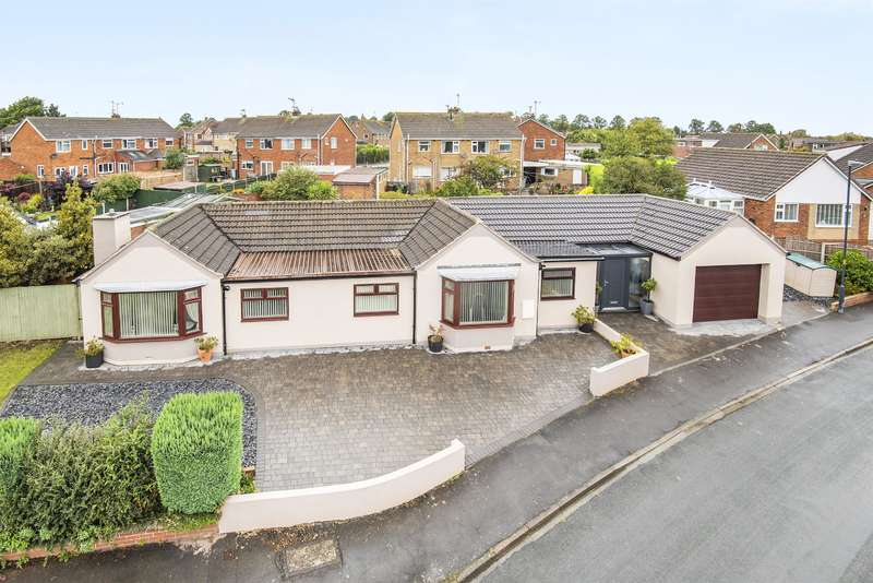 5 Bedrooms Detached House for sale in Willow Rise, Tadcaster, LS24 9LG