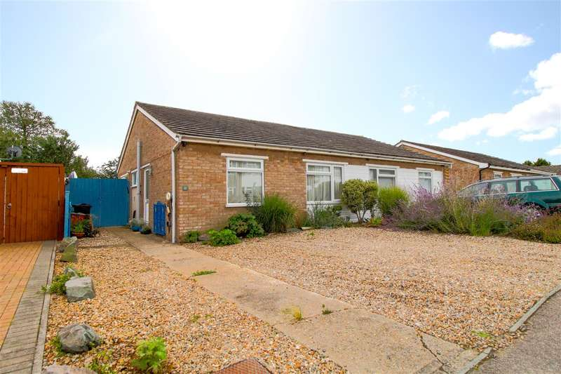2 Bedrooms Bungalow for sale in Crestlands, Alresford, Colchester, CO7