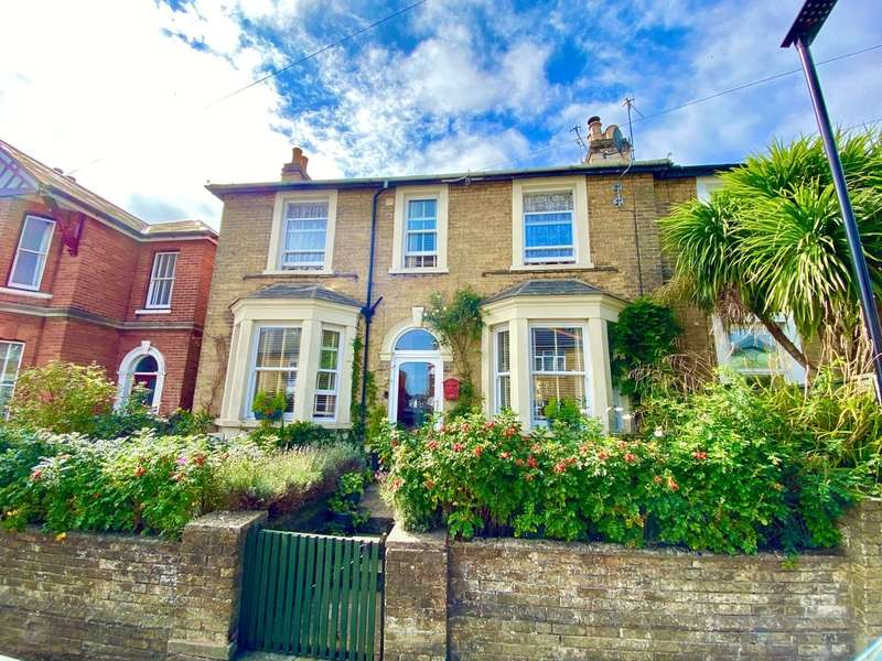 4 Bedrooms Semi Detached House for sale in Park Road, Ryde