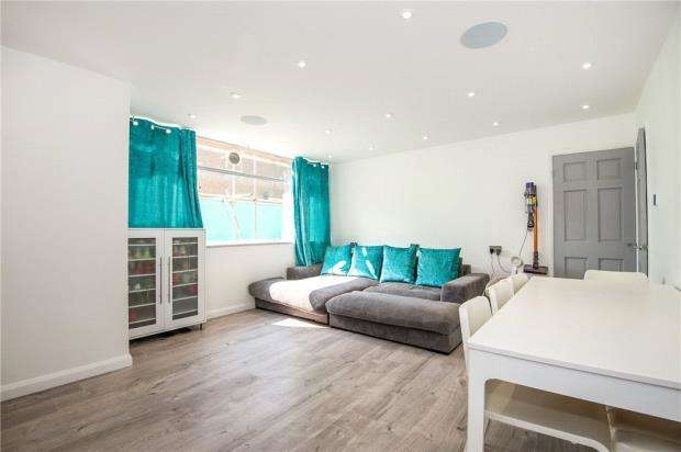 3 Bedrooms Apartment Flat for sale in Grange Mansions, Epsom, Epsom