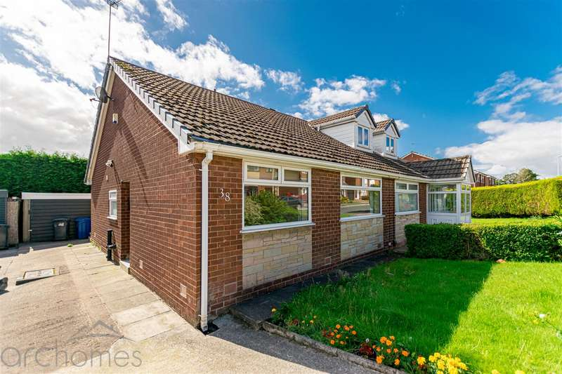 2 Bedrooms Semi Detached Bungalow for sale in Hillside Avenue, Atherton, Manchester