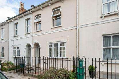 2 Bedrooms Terraced House for sale in Brighton Road, Cheltenham, Gloucestershire