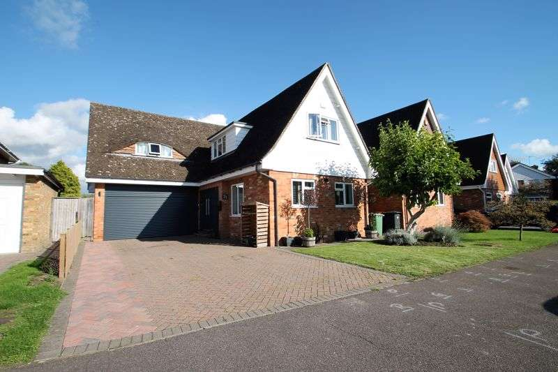 4 Bedrooms Property for sale in The Orchards, Eaton Bray, Bedfordshire