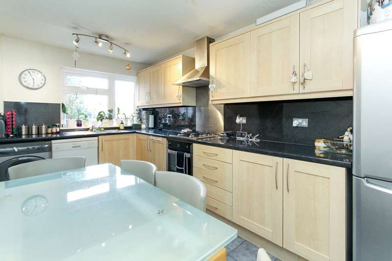3 Bedrooms Terraced House for sale in Organ Hall Road, Borehamwood, Hertfordshire, WD6
