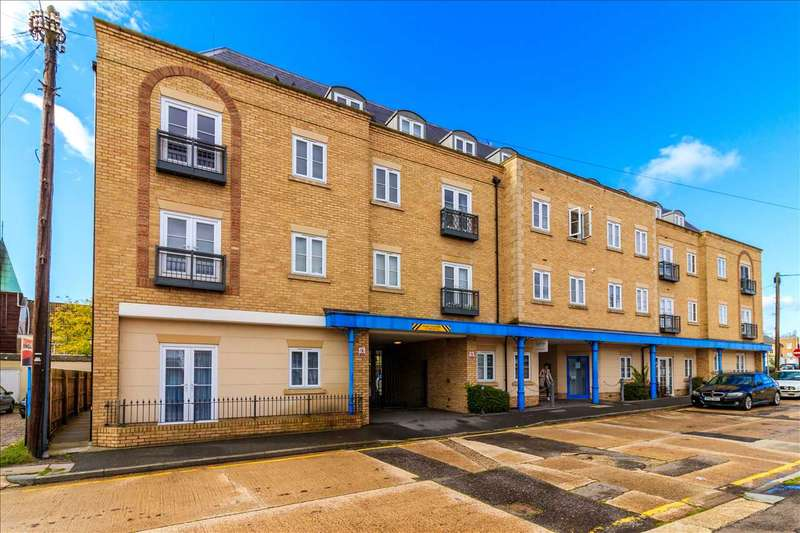 1 Bedroom Apartment Flat for sale in Woodlands Road, Wickford