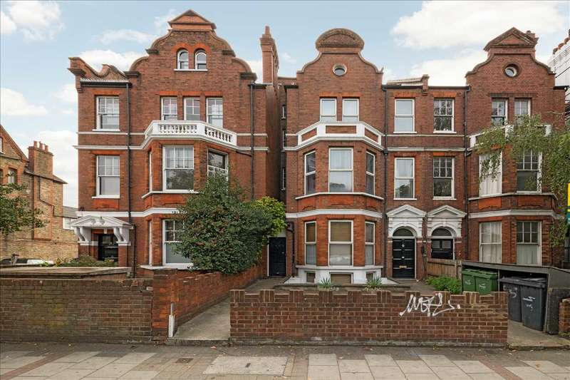 3 Bedrooms Apartment Flat for rent in Clapham Common South Side, London