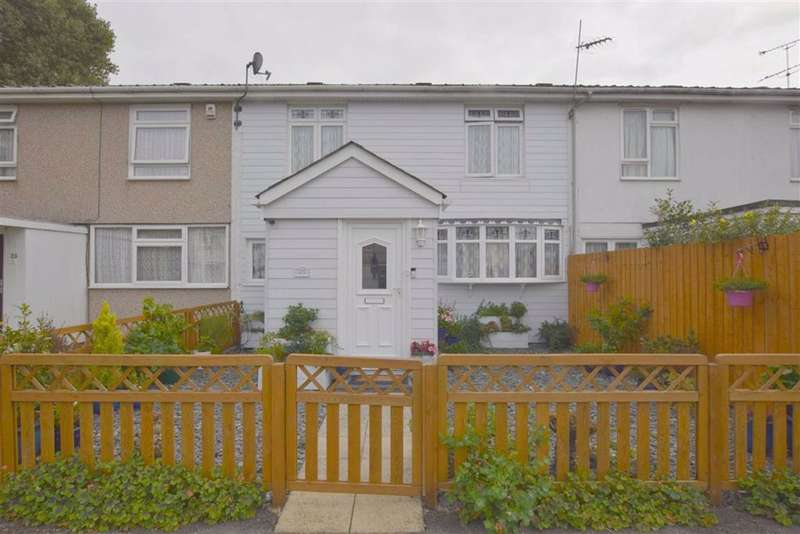 3 Bedrooms Terraced House for sale in Kenneth Road, Basildon, Essex