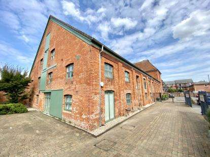 2 Bedrooms Flat for sale in Canon Street, Taunton, Somerset