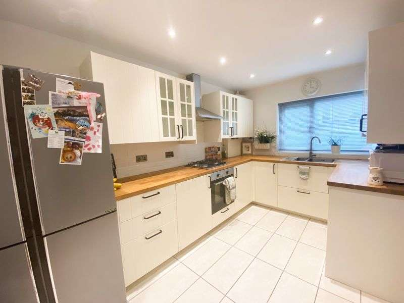3 Bedrooms Property for sale in Barrow Hill Crescent, Bristol