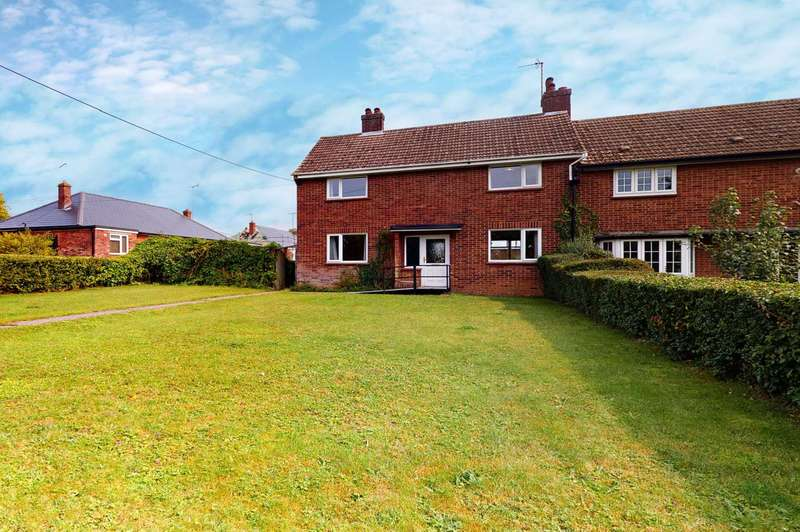 3 Bedrooms Semi Detached House for sale in Tilkey Road, Coggeshall