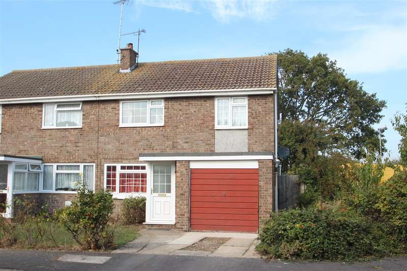 3 Bedrooms Semi Detached House for sale in St. Clair Close, Great Clacton
