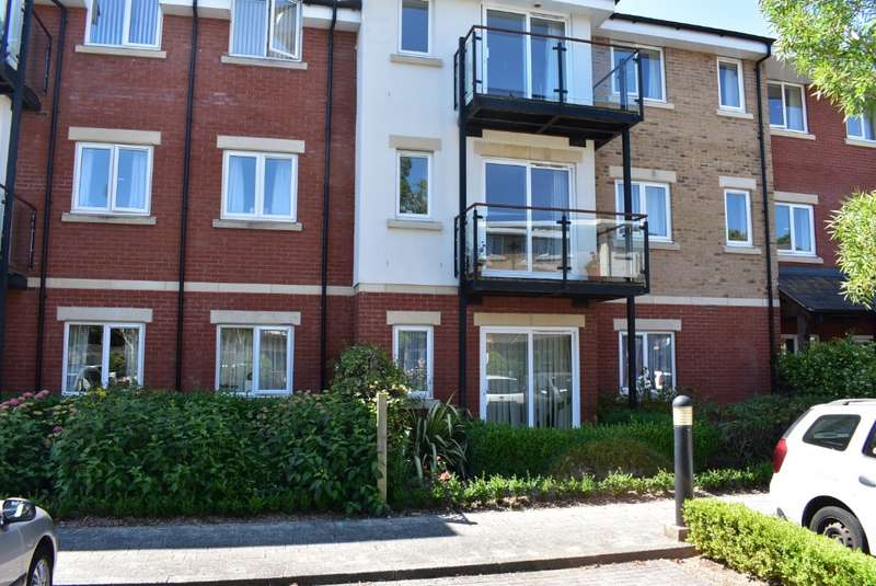 1 Bedroom Flat for sale in Langstone Court, Drayton, Portsmouth, PO61BU