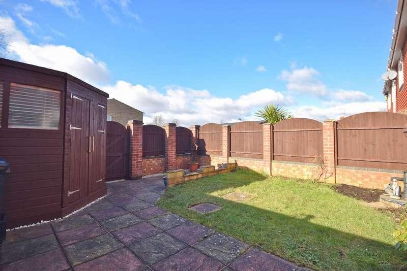3 Bedrooms Terraced House for sale in Black Dam, Basingstoke, RG21
