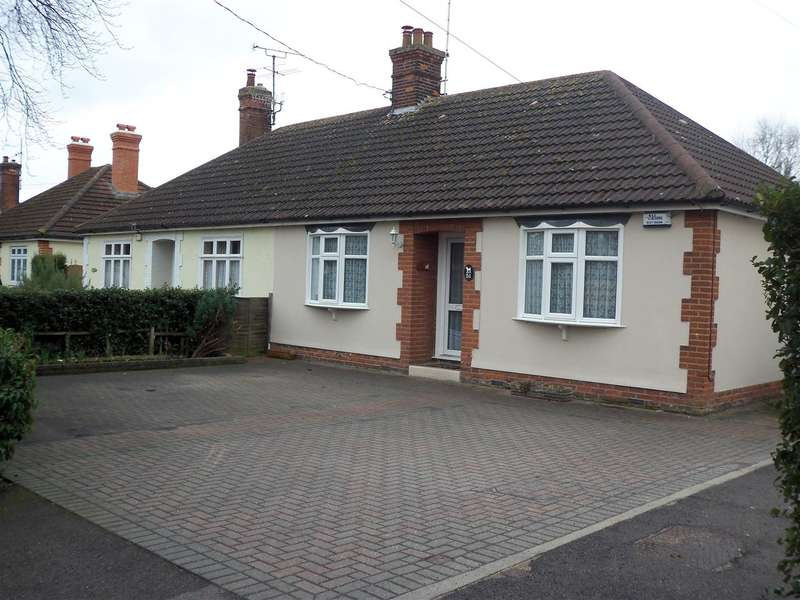 2 Bedrooms Bungalow for rent in The Avenue, Witham