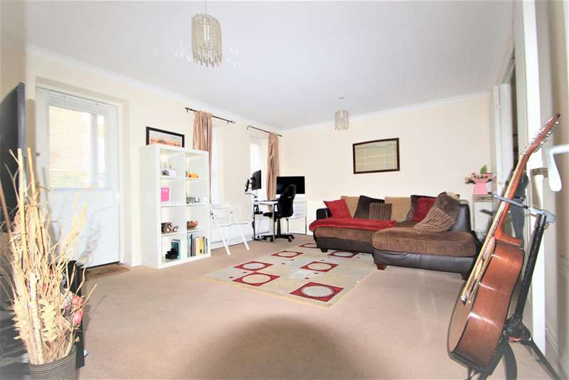 1 Bedroom Flat for sale in Sudbury Court , Glanford Way, Chadwell Heath , RM6 4UJ