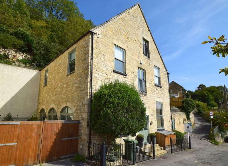 4 Bedrooms Detached House for sale in Higher Newmarket Road , Newmarket, Nailsworth, GL6