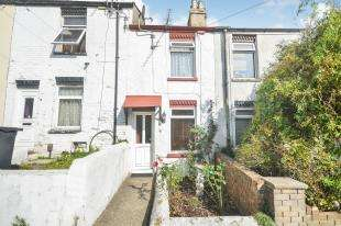 2 Bedrooms Terraced House for sale in Winchelsea Road, Dover, Kent