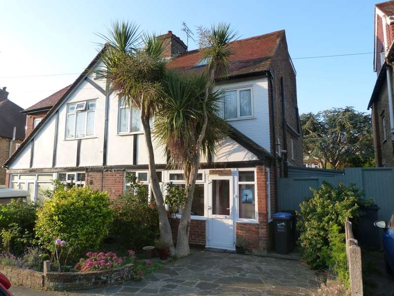 4 Bedrooms Semi Detached House for sale in Bradstow Way, Broadstairs, CT10