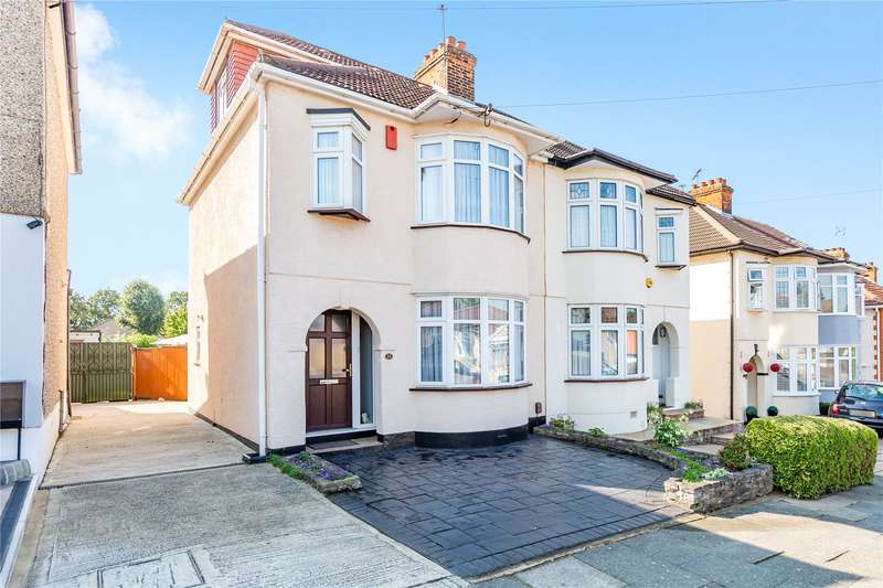 4 Bedrooms Semi Detached House for sale in Staverton Road, Hornchurch, RM11
