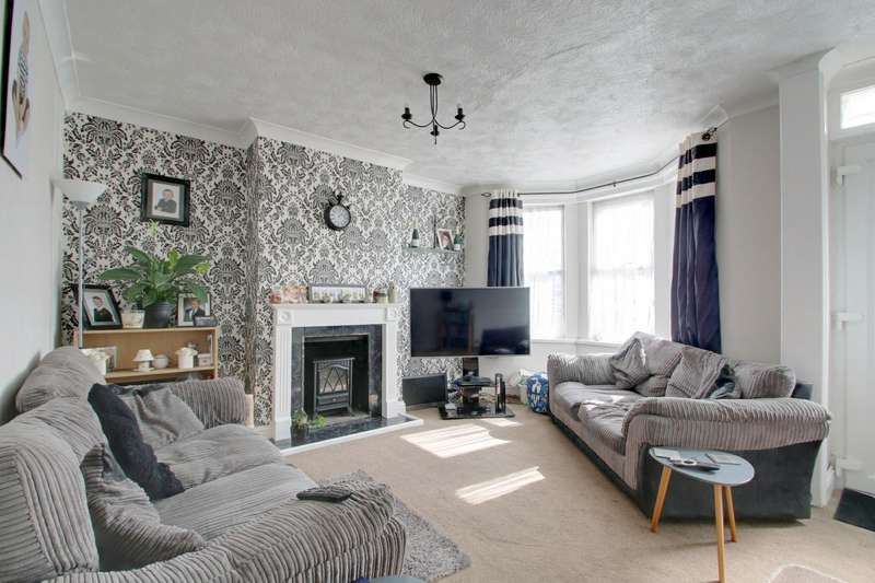 3 Bedrooms Semi Detached House for sale in Herbert Road, Clacton-on-Sea