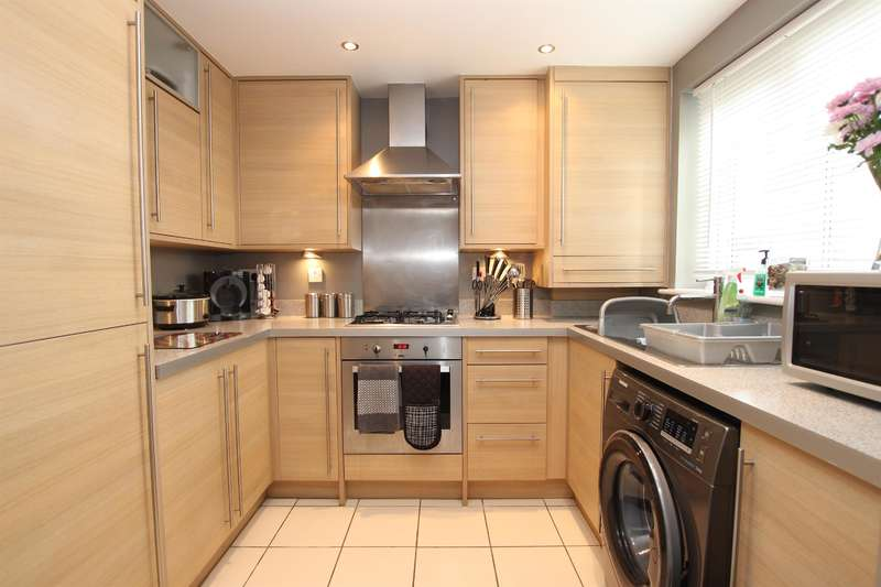 2 Bedrooms Ground Flat for sale in Beckett Court, Darwen, BB3 3BE