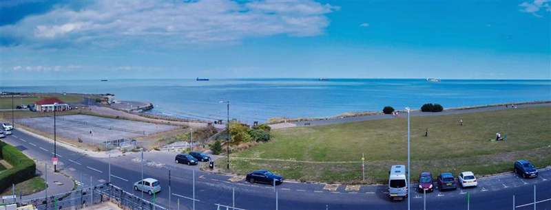 2 Bedrooms Flat for sale in Palm Bay Avenue, Margate, Kent