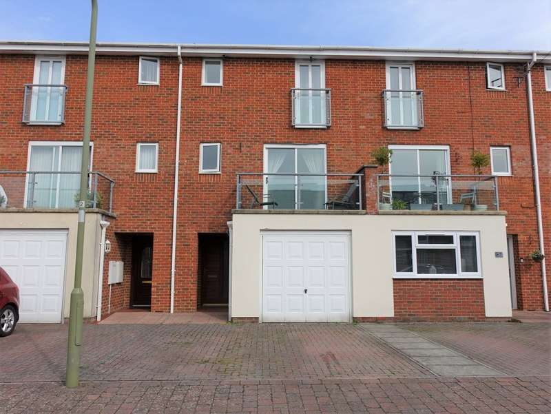 4 Bedrooms Town House for sale in Wadmore Close, Hythe, Southampton