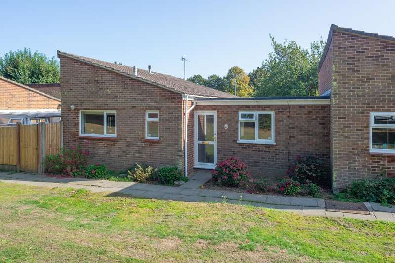 2 Bedrooms Bungalow for sale in Bishops Way, Canterbury, CT2