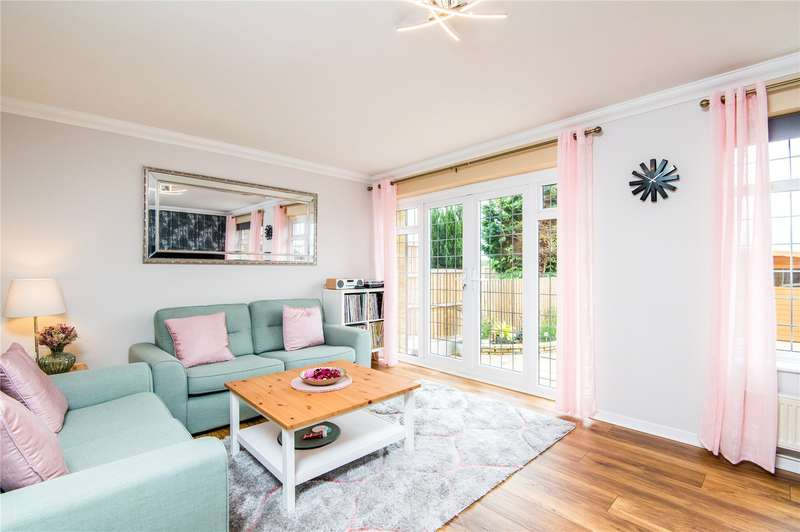 3 Bedrooms Semi Detached House for sale in Rushley Close, Great Wakering, Southend-on-Sea, Essex, SS3