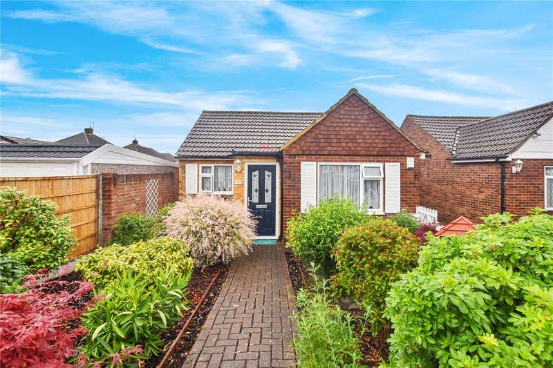 3 Bedrooms Bungalow for sale in Vanessa Way, Joydens Wood, Kent, DA5