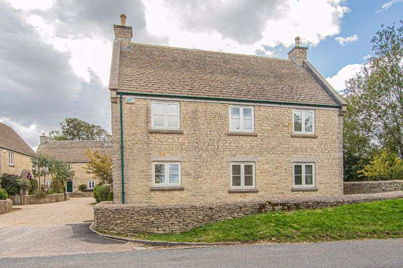 4 Bedrooms Property for sale in Castle Farm Close Leighterton, Tetbury