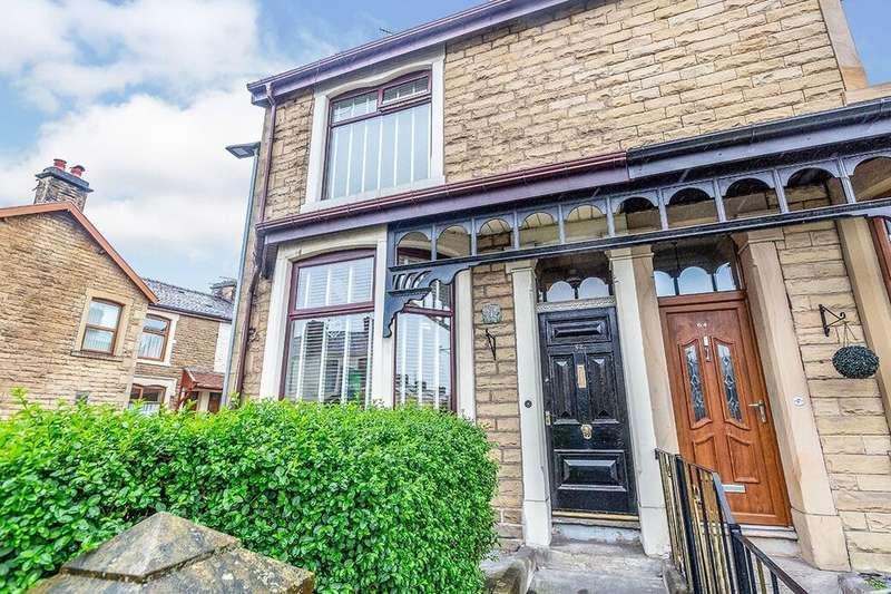 3 Bedrooms Property for sale in Blackburn Road, Darwen, BB3