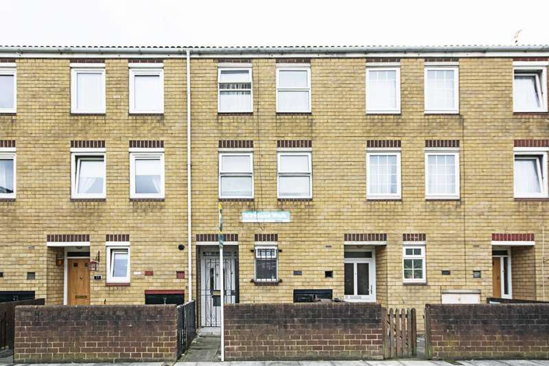 4 Bedrooms Terraced House for rent in Kirkland Road, Dalston, E8