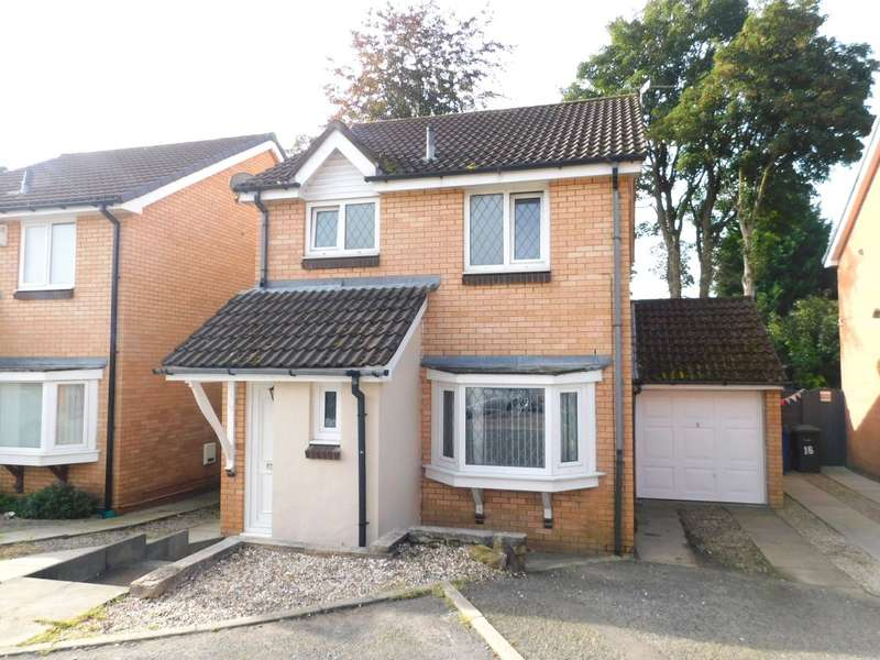3 Bedrooms Link Detached House for sale in Whitewell Close, Bury, BL9