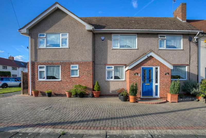 5 Bedrooms Semi Detached House for sale in Mowbrays Road, Collier Row, Romford, Essex, RM5 3EL