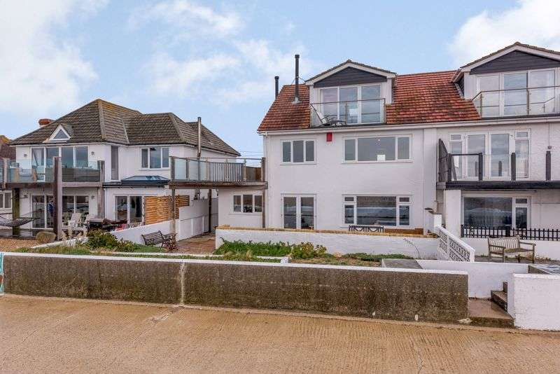 5 Bedrooms Property for sale in Meath Close, Hayling Island, PO11