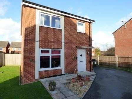 4 Bedrooms Property for rent in Westone Close, Donnington Wood, Telford