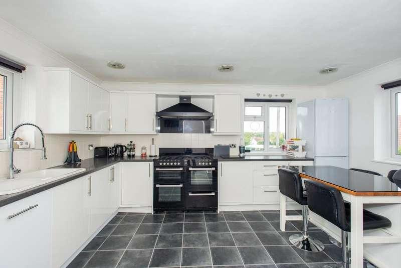 3 Bedrooms End Of Terrace House for sale in Worlds End Lane, Orpington, Kent, BR6 6AF