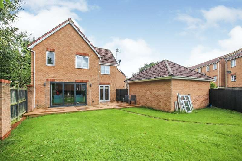 4 Bedrooms Detached House for sale in Altrincham Road, Manchester, Greater Manchester, M22