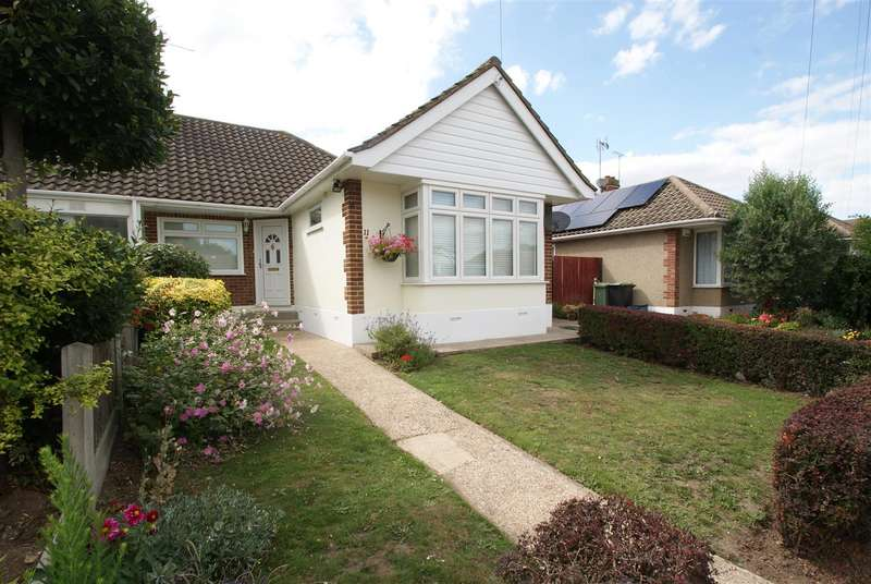 3 Bedrooms Semi Detached Bungalow for sale in Hudson Crescent, Leigh-On-Sea