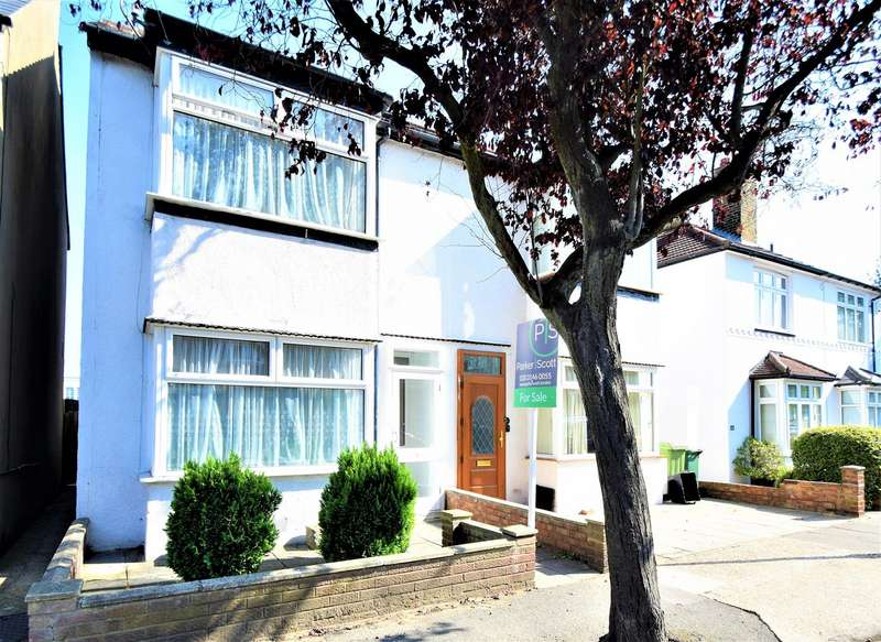 4 Bedrooms Semi Detached House for sale in Haywood Road, Bromley