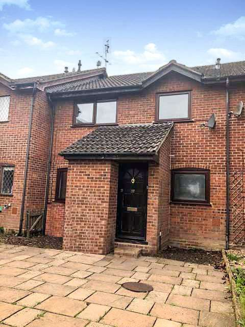 2 Bedrooms Terraced House for rent in Sorrells Close, Chineham, Basingstoke, RG24